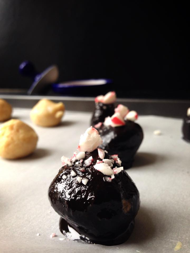 Healthy Peppermint Crunch Truffles | Whisk and Shout