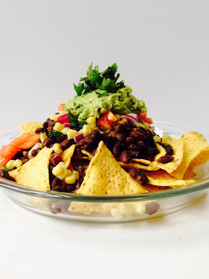 The Ultimate {Vegan + GF!} Game Day Nachos |Whisk and Shout