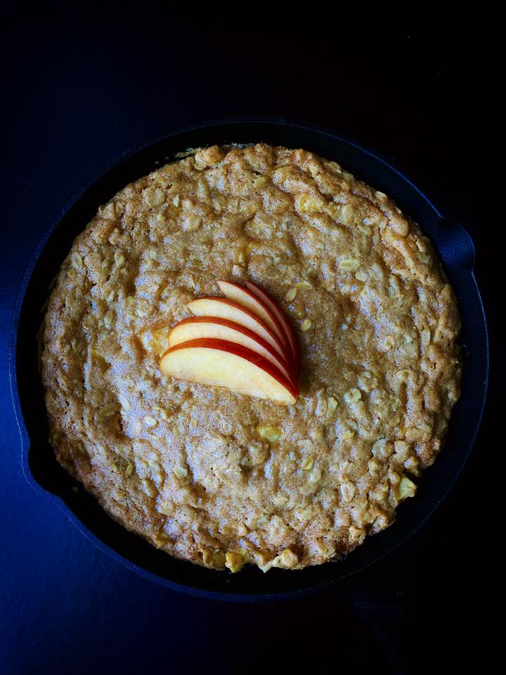 {Vegan} Caramel Apple Skillet Cookie! | Whisk and Shout