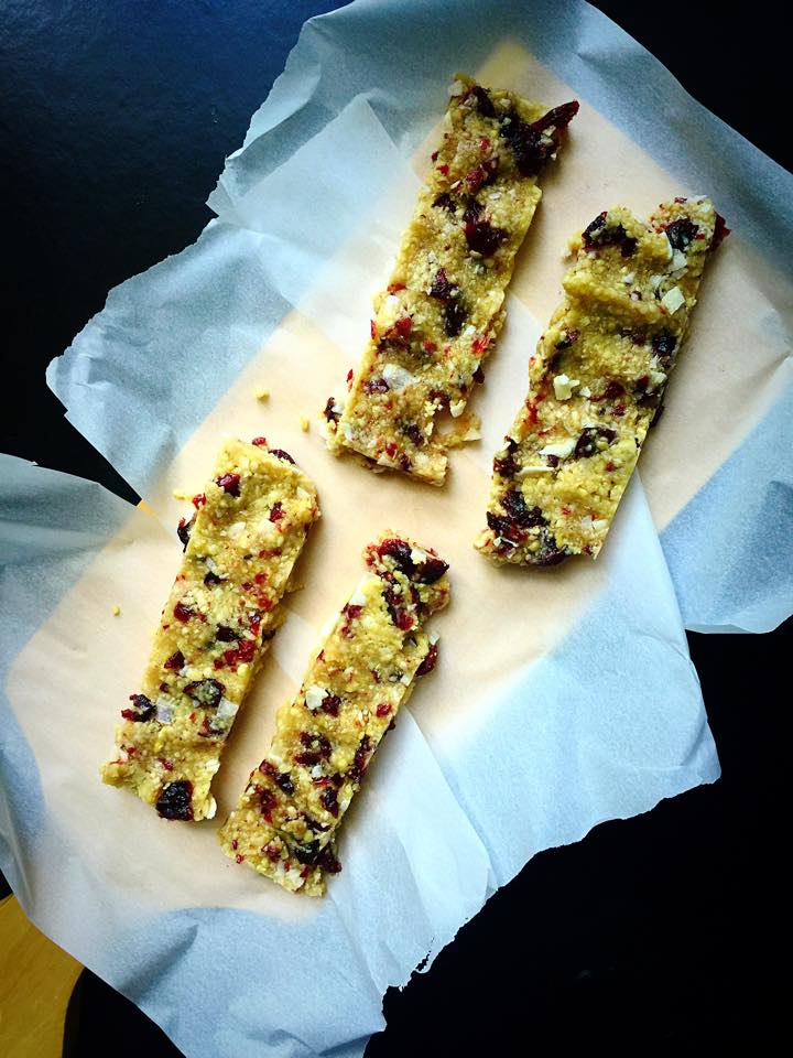 Cranberry Coconut Energy Bars {Raw, Vegan, GF} | Whisk and Shout