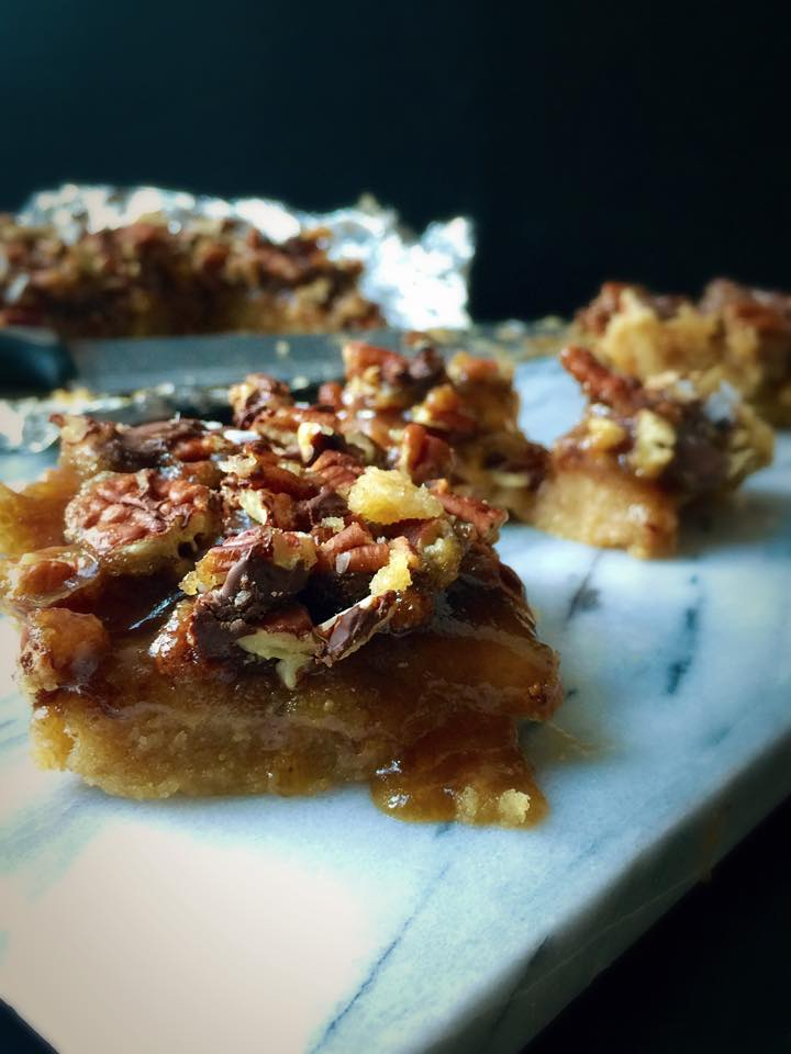 Vegan Gooey Salted-Caramel Pecan Turtle Bars | Whisk and Shout