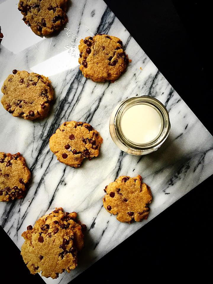 Crisp & Chewy Chocolate Chip Cookies {Vegan} | Whisk and Shout