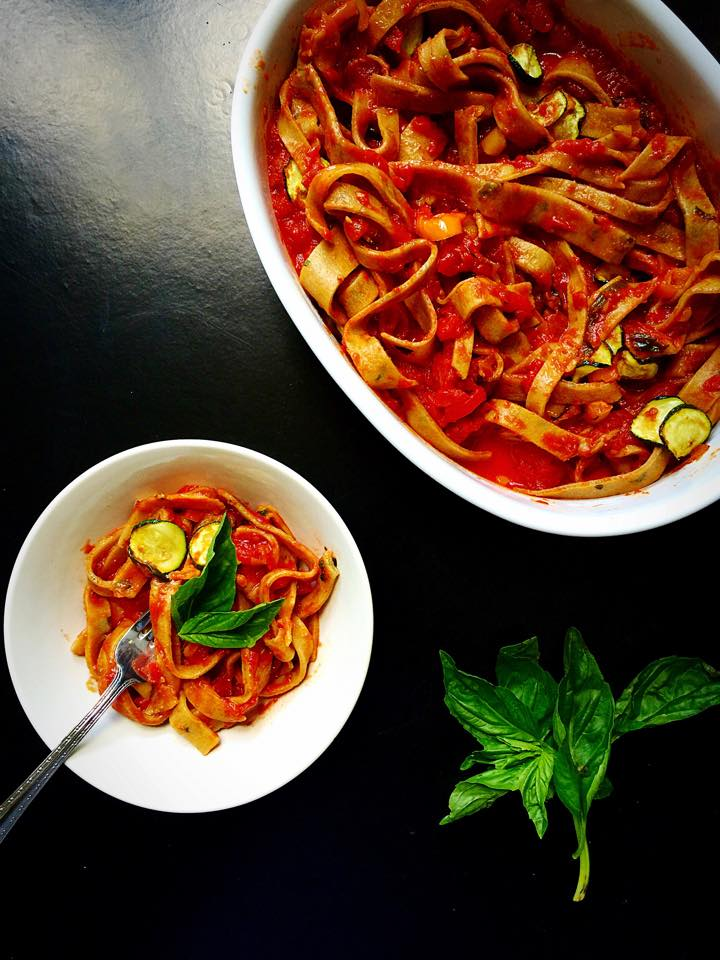 Fresh Basil Fettuccine with Arrabbiata & Roasted Veggies {Vegan} | Whisk and Shout