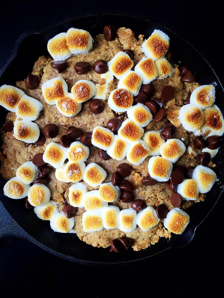 Vegan S'mores Skillet Cookie! | Whisk and Shout