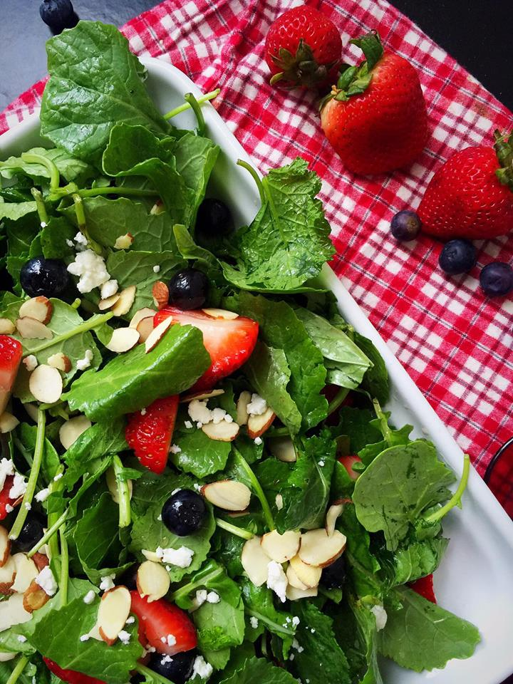 Baby Kale & Berry Salad with Maple Vinaigrette | Whisk and Shout