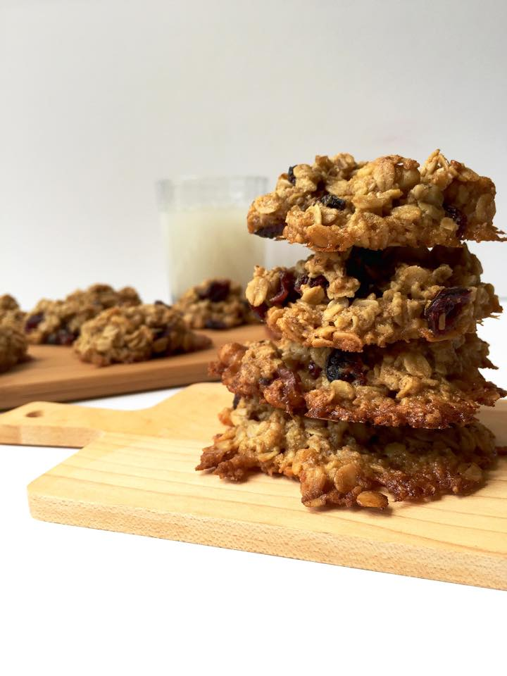 Cranberry Walnut Oatmeal Cookies {Vegan +GF!} | Whisk and Shout
