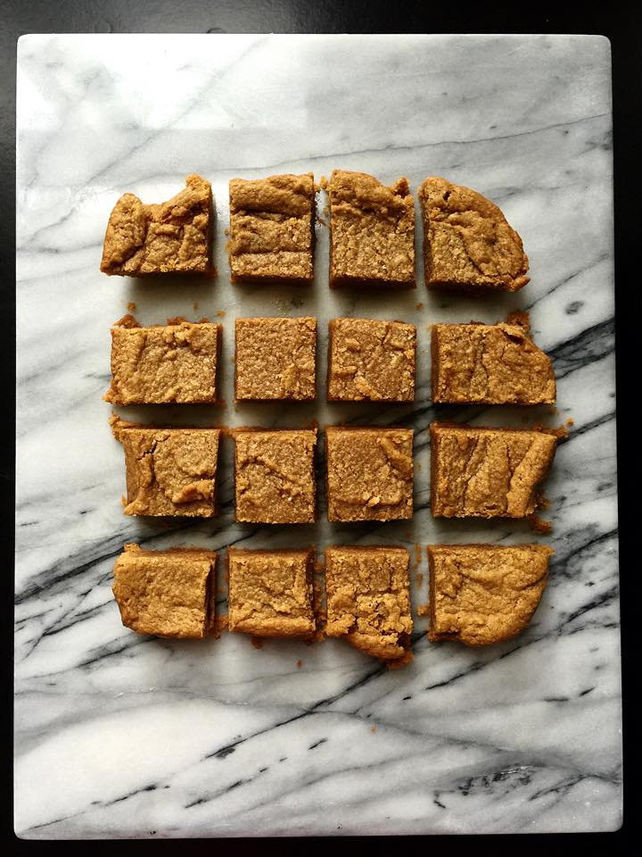 Maple Peanut Butter Blondies | Whisk and Shout
