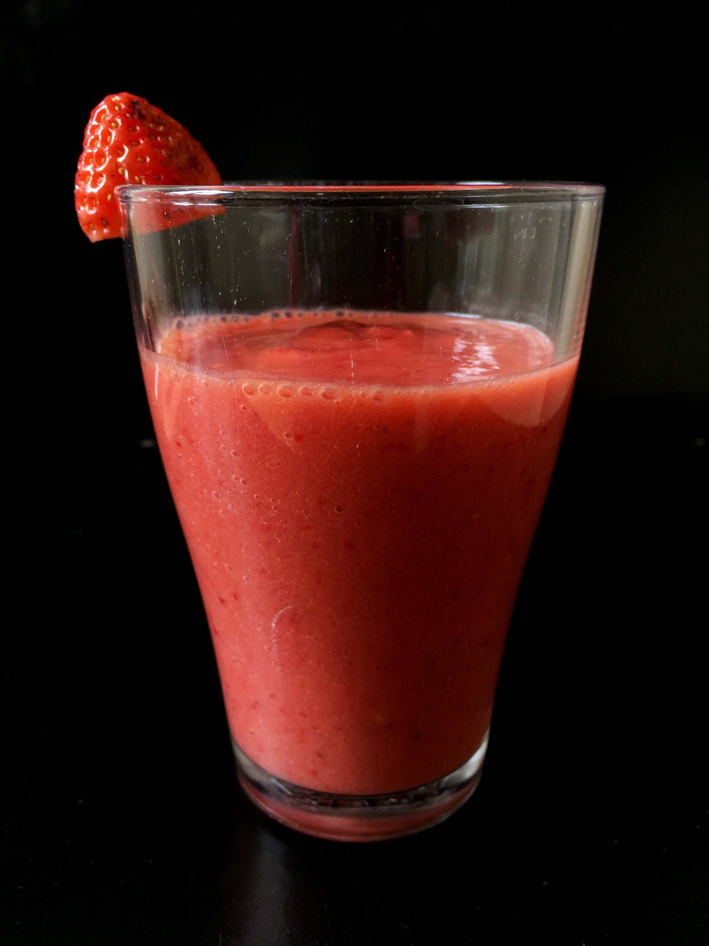 3-Ingredient Strawberry Mango Smoothie | Whisk and Shout