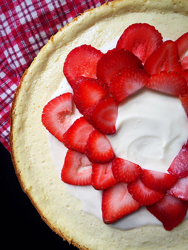 Strawberry Crème Fraîche Cheesecake | Whisk and Shout